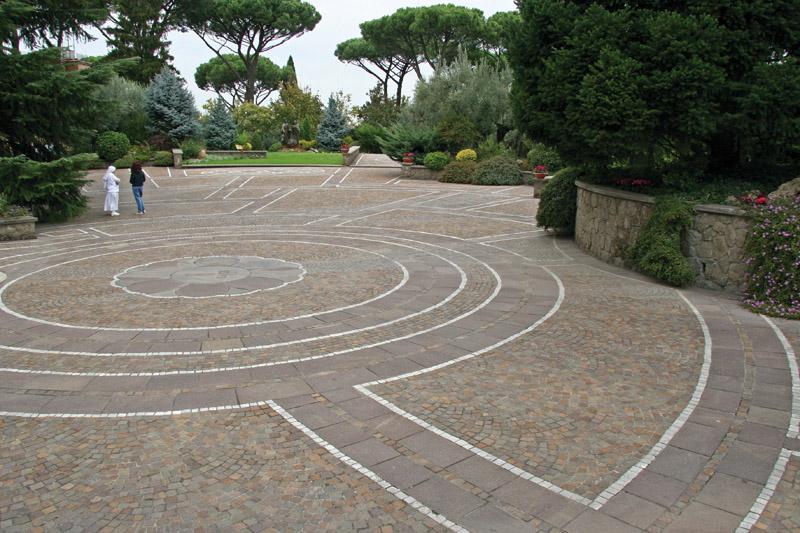 pavimenti per esterni pietra porfido  Ristrutturazione Milano