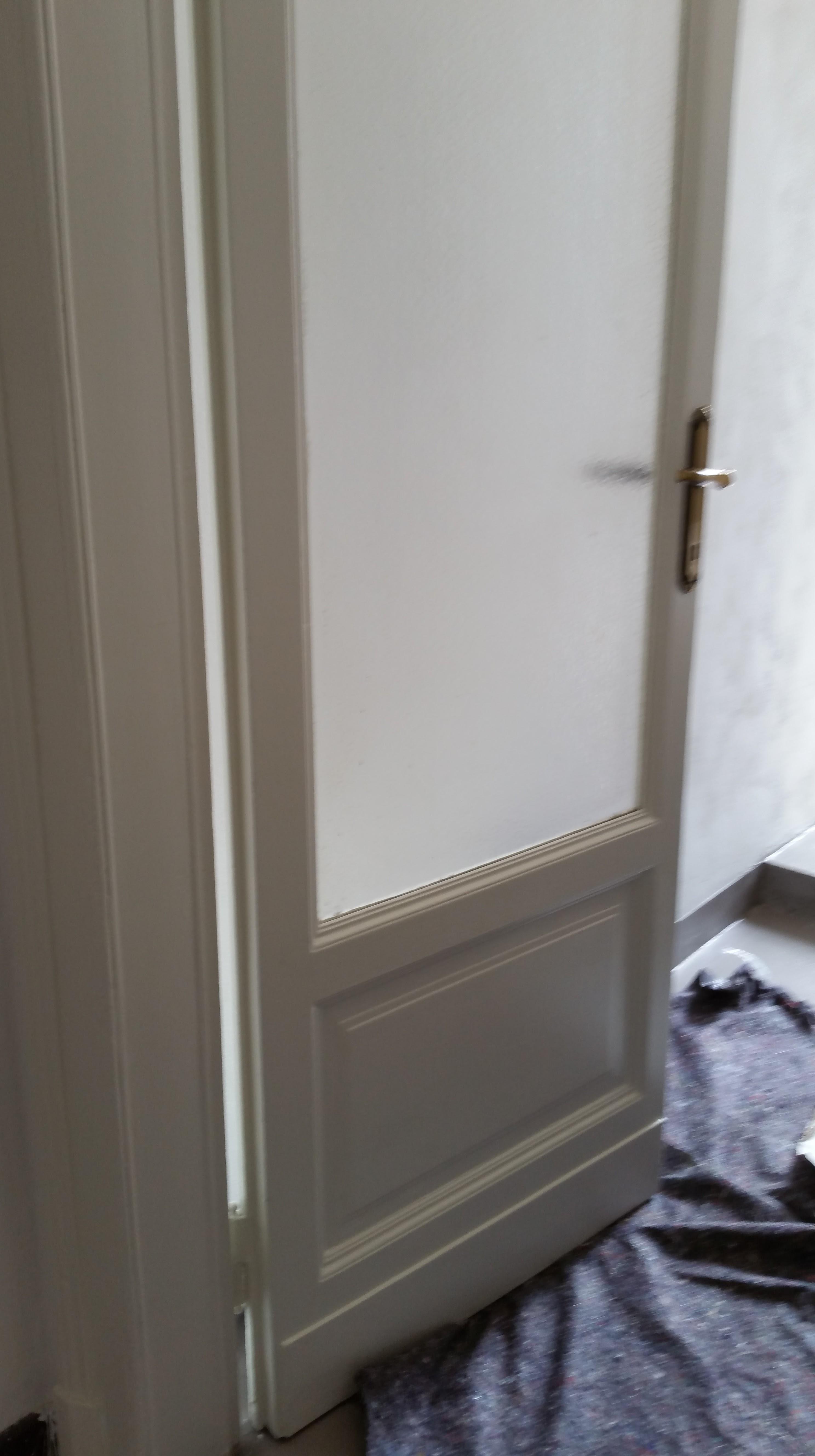 Dipingere le porte simple il portoncino blindato with dipingere le porte stunning le porte - Verniciare porte in legno ...